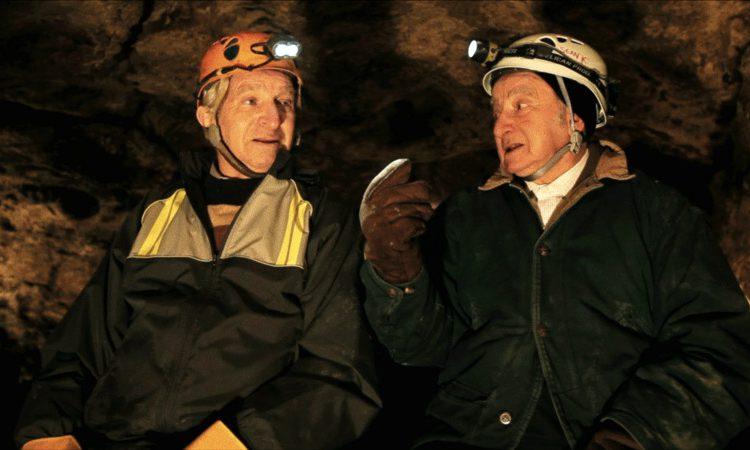 《洞穴求生》